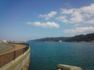 名瀬港入口方面