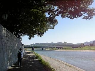 川原を散策