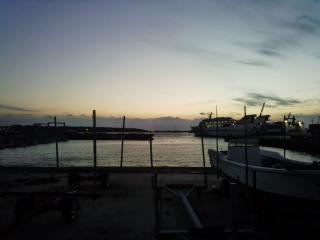 夕刻の西之表港