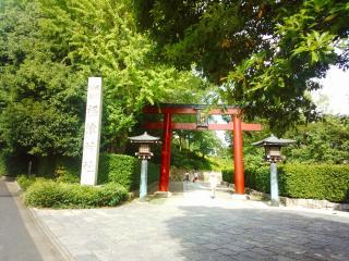 根津神社入り口