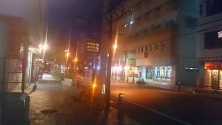 繁華街の明かり